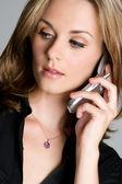 Kadın cep telefonu — Stok fotoğraf