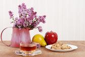 Herbaty ziołowe z ciasteczkami — Zdjęcie stockowe