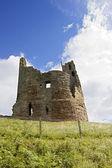 Castle keep på dunstanburgh — Stockfoto