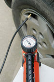 Tyre pressure — Stock Photo