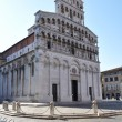 Resting at San Michael in Foro in Lucca Tuscany Italy — Foto Stock