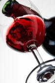 Derramando vinho — Foto Stock