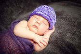 Sleeping newborn baby boy. — Stock Photo