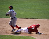 Portland Sea Dogs' Heiker Meneses forces the runner — Stock Photo