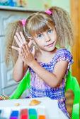 Os moldes de criança de barro — Fotografia Stock