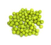 新緑のエンドウ豆、白い背景で隔離 — ストック写真