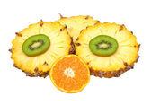 Vers fruit mix op een witte achtergrond — Stockfoto
