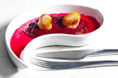 Fried Saint Jacques molluscs on mashed red beet — Stock Photo