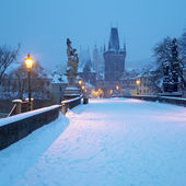 Charles bridge in winter, Prague, Czech Republic — Stok fotoğraf