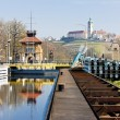 Horin lock and Melnik Castle at background, Czech Republic — Stock Photo