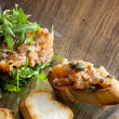 Salmon tartar with ruccola — Stok fotoğraf