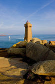 Pors Kamor lighthouse, Ploumanac'h, Brittany, France — Stock Photo