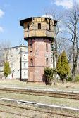 Gamla järnvägsstationen, szczytna, polen — Stockfoto