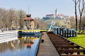 Horin cerradura y melnik castillo en el fondo, república checa — Foto de Stock
