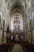 Iç bazilika notre-dame-de-l-eoine, l-epine, şampanya, fransa — Stok fotoğraf