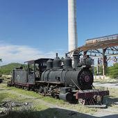 Steam locomotive Baldwin, Pepito Tey closed sugar factory, Cuba — Stock Photo
