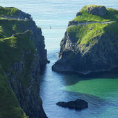 Carrick-a-rede Rope Bridge, County Antrim, Northern Ireland — Stock Photo