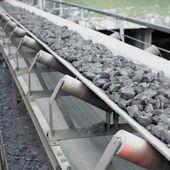 Coal loading, Banovica, Bosnia and Hercegovina — Stock Photo