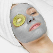Woman with facial mask — Stock Photo