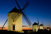 Windmills at night, Consuegra, Castile-La Mancha, Spain — Stock Photo