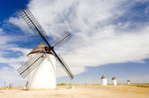 Windmills, Mota del Cuervo, Castile-La Mancha, Spain — Stock Photo