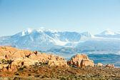 Arches National Park with La Sal Mountains, Utah, USA — Stock Photo