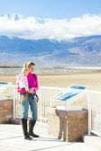 Tourists in Badwater (the lowest point in North America), Death — Stock Photo