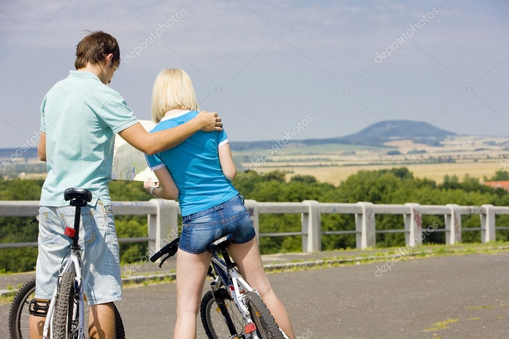 Bikers holding a map, Czech Republic — Stock Photo #11284200