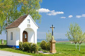 Chapel with a cross, Vlcnov, Czech Republic — Stockfoto