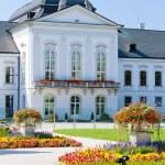 Presidential residence in Grassalkovich Palace, Bratislava, Slov — Stock Photo #11425402