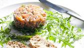 Tartare di salmone con rucola — Foto Stock
