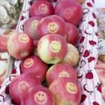 Apples, street market in Bergen, Norway — Stock Photo #11430932