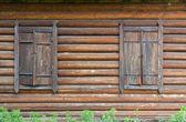 закрытые старых окон — Стоковое фото