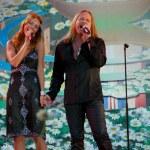 Russian singers Vladimir Presnjakov i Natal'ja Podol'skaja perform — Foto Stock