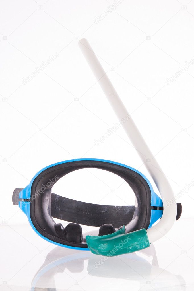 Diving gear - diving goggles and snorkel, isolated on white — Stock Photo #11978603