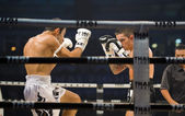English vs iranian thai boxer in bangkok — Stock Photo