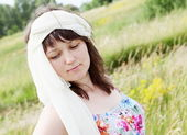 Dreamy Woman on the Meadow Portrait — Stock Photo