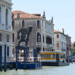 Modern Statue on the Grand Canal in Venice — Stock Photo