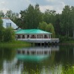 Lake house — Stock Photo