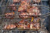 肉烤在木炭 — 图库照片