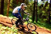 Rowerów górskich ekstremalnych konkurencji — Zdjęcie stockowe