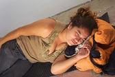 Young Peruvian Woman Squatting — Stock Photo