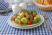 Baked potatoes with chicken and tomato — Stock Photo