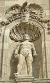 Statue of stone at famous Fisherman's Square in Budapest, Hungary — Stock Photo