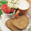 BREAD, STRAWBERRIES AND MILK — Stock Photo