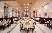 Interior do restaurante hotel moderno — Fotografia Stock