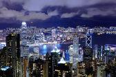 Hong kong skyline in de nacht — Stockfoto