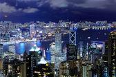 Gece kalabalık bina ile hong kong — Stok fotoğraf