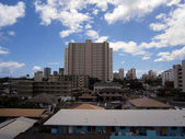 Kapahulu town scape with Waikiki Hotels in the background — Stock Photo