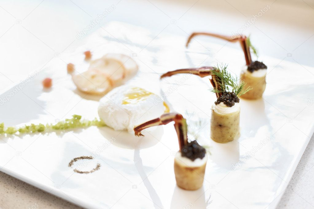Light appetizer served in plate at five star restaurant — Stock Photo #12152171